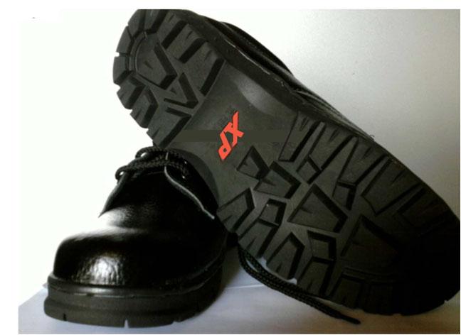Giày XP đỏ